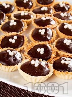 Сладки кошнички с какаов крем - снимка на рецептата